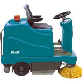操作灵活驾驶式扫地机