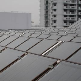 南宁平板太阳能热泵热水工程|平板集热器
