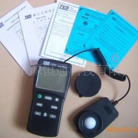 TES1335台湾泰仕TES1335照度计TES-1335