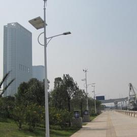 专业供应太阳能风光互补路灯厂家直销