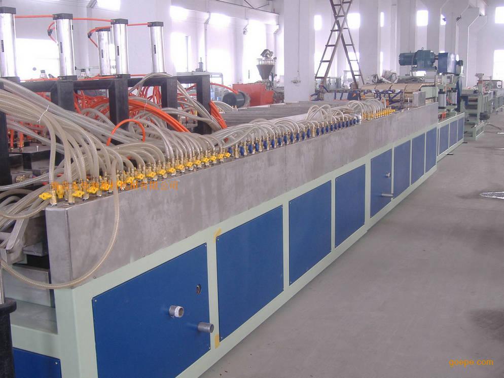 集成快装竹木纤维护墙板机械设备