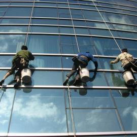 上海玻璃幕墙清洗 上海玻璃外墙清洗公司