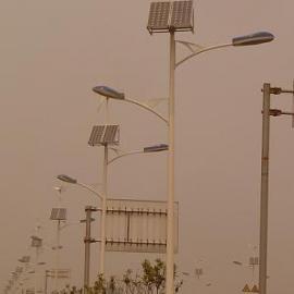 太阳能光互补路灯