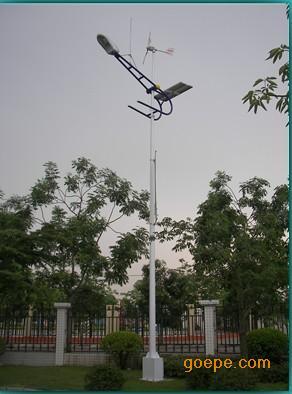 中国首台磁悬浮风光互补路灯
