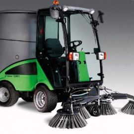 Egholm2200多功能驾驶式扫地车
