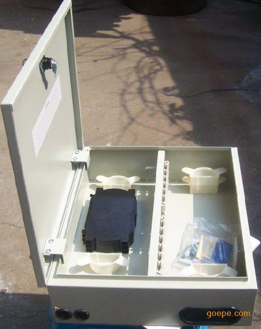 冷轧板壁挂式1分8光分路箱,冷轧板壁挂式1分16分路箱