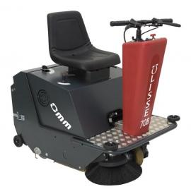 Ulisse 70B小型驾驶式扫地机