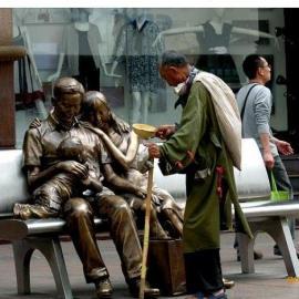 雕塑厂家 广东东莞有巨人,巨人雕塑造型精美