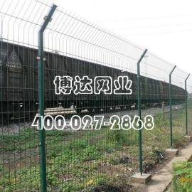 高速公路护栏 铁路防护网价格  武汉护栏网规格 双边丝护栏网