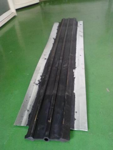 钢边止水带、MX300宽氯丁橡胶钢边止水带