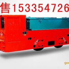 山东永冠12吨单司机室蓄电池电机车