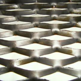 安平县一诺金属丝网厂|锰钢钢板网型号25-40厂家制造