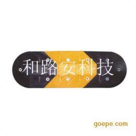 深圳减速带安装,南山橡胶减速带拆除,道路减速坡