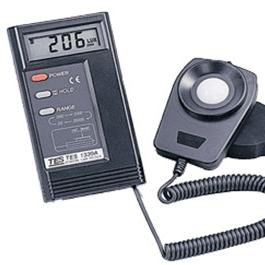 TES-1330A/1332A/1334A 数字式照度计
