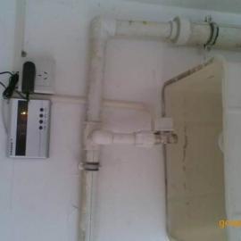 甘肃遥控沟槽节水器 嘉峪关学校专用沟槽式厕所节水器