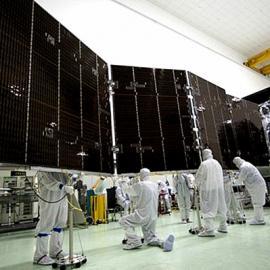 河南太阳能电池板厂家,高效单晶太阳能电池板
