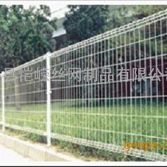 【厂家直销】安平恺嵘优质双边护栏网 浸塑绿色 白色 美观大方 结