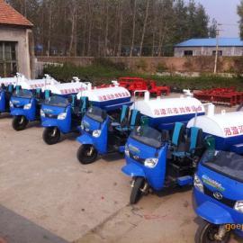 河南开封那里有卖三轮吸粪车/洒水车/吸污车     厂家 。。
