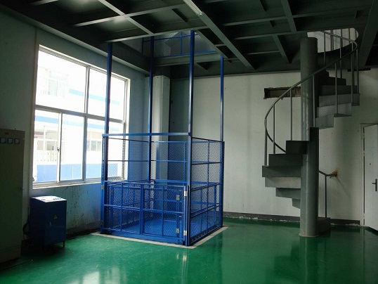 导轨式升降货梯升降机用途工作原理