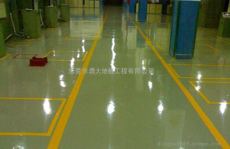 抗静电性能的树脂地坪地板产品很多,根据不同的材料类型,抗静电能力也有轻重之分。所以我们要根据不同的使用环境和需求来选择材料。产生静电的方式不是孤立单一的,所以在选择抗静电地坪地板材料时我们也要全面的考虑后,选择最合适的地坪材料。这里值得一提的是,我们在选择抗静电地坪材料时,要先确定所需要的抗静电系数,再选择地坪颜色,因为有些情况下特定的抗静电系数需要特定的颜色,如果需要特殊颜色需要请提前进行联系。 东莞鼎大地板有限公司http://www.