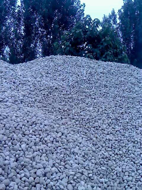 产品描述: 变电站专用天然鹅卵石厂家现货供应  荣茂鹅卵石铺装