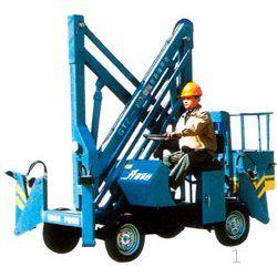 固定式升降机的可选配置有人工液压动力,方便与周边设施搭接的活动图片