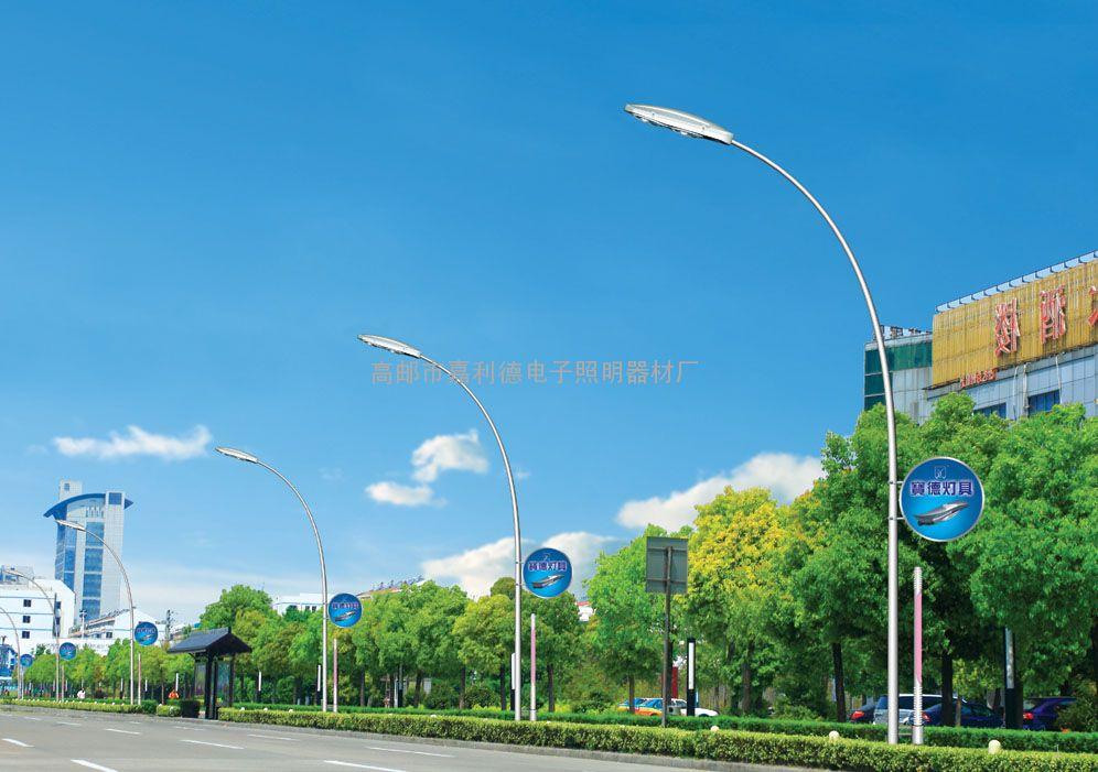 高杆路灯图片