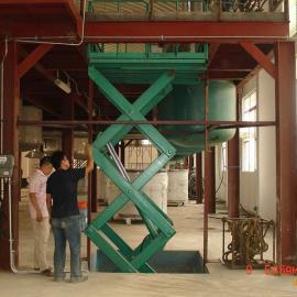 供应乌海升降机,乌海移动式液压升降平台,升降货梯