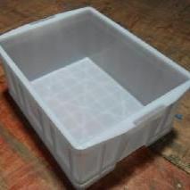 �o�a90L塑料周�D箱物流箱零件盒