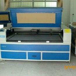 深圳有机玻璃镜片激光切割布料激光切割机