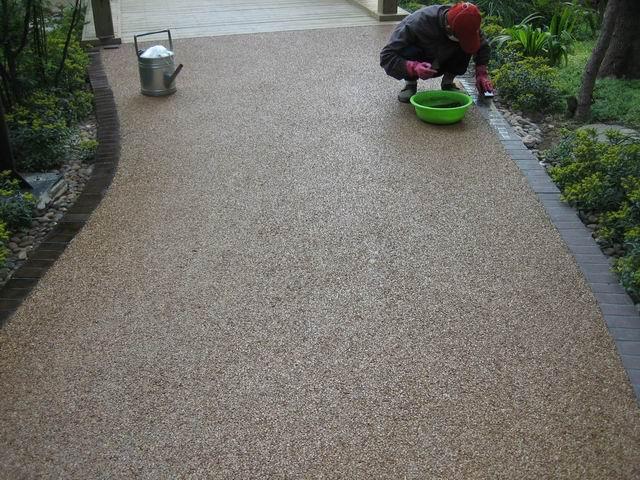 供应江苏昆山社区路面彩色透水地坪-透水混凝土-彩色艺术地坪