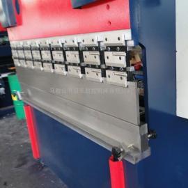 WF67Y-63T/2500液压板料折弯机 液压弯板机