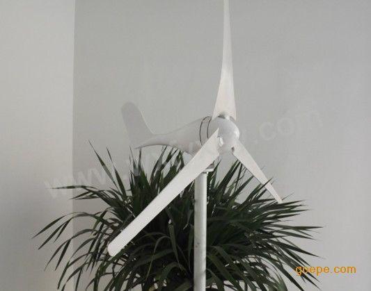 微风启动100W小型风力发电机风光互补路灯