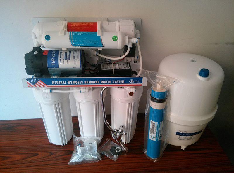 安装步骤如下:    1,关闭自来水总进水阀,打开本纯水机零件包,将1图片