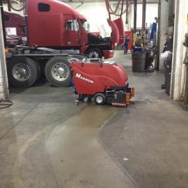 无锡洗地机专家-无锡小型洗地机-电瓶式洗地机-自动洗地机