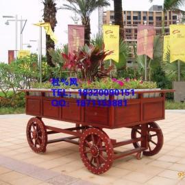 威海现货木制售货车,威海防腐木花车,贵州商业街花车