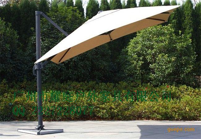 罗马伞,豪华遮阳伞,高档遮阳伞材质特点: 罗马吊伞属于单边伞,但是它和普通的单边伞相比它的特点是伞面前倾度大,伞下的面积也大,也正因为这一点,罗马伞的整体结构结实稳固,骨架用铝合金材料,整体设计透露着简易大气的风格。见了罗马伞,你才会道什么遮阳伞中的*好 名称:罗马伞 规格:有方型2.