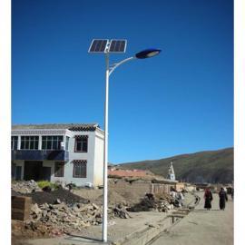厂家直销6-12米太阳能路灯含预埋件