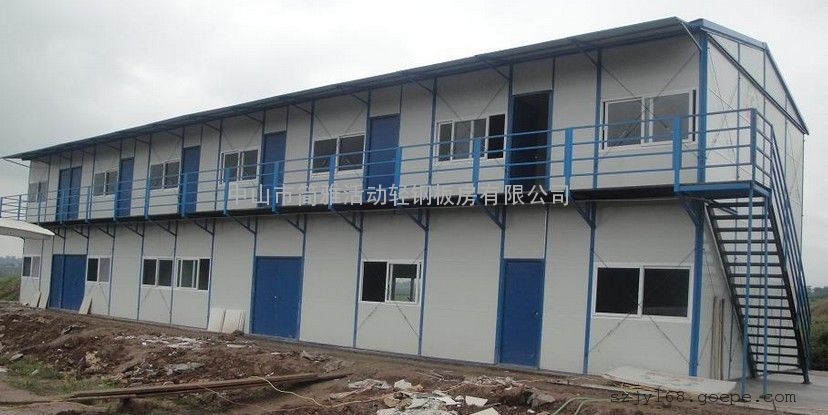 房屋采用結構防水設計,不需另做任何防水處理; 使用壽命長:輕鋼結構均