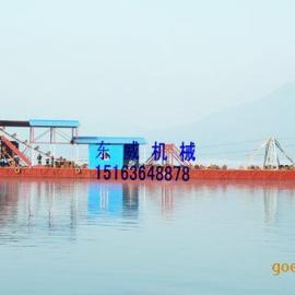 广西挖掘量二百方以上、挖掘深度三十米以上的大型链斗式挖沙船