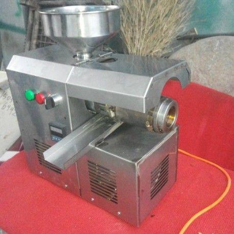 榨油机小型榨油机榨油机设备花生榨油机菜籽榨油机大豆榨油机