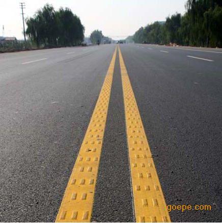 道路划线,包茂高速信宜路段公路维护找恒泰,道路标线