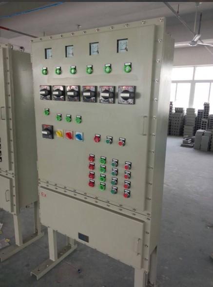 温控器及各种功能模块等普通电器元件;增安型外壳内装按钮,控制开关