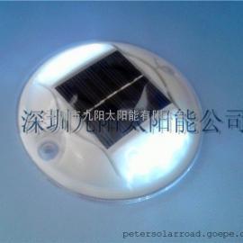 太阳能PC道钉,IP68太阳能警示灯