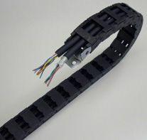黑色护套坦克链拖链电缆TRVV4*1.5耐磨耐弯曲800万次