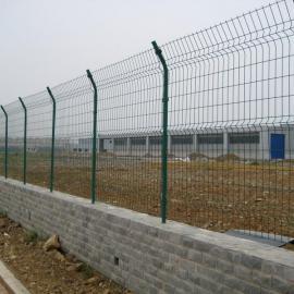 佳木斯粮库护栏网/浸塑护栏网隔离围墙用网-高速护栏网