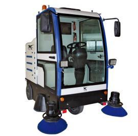 厂家供应天骏蜂鸟2000扫地机,全封闭驾驶式,全国联保