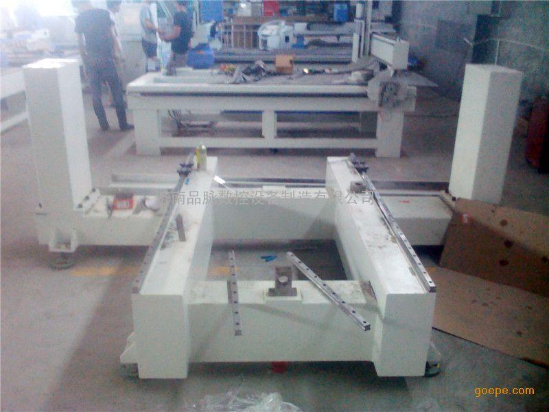 四轴联动木制佛像雕刻机/家具桌椅腿雕刻机