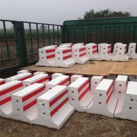 水泥混凝土隔离墩模具 新型环保生态隔离墩模具预定