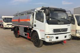 包上户8吨碳钢油罐车装满载6.8吨